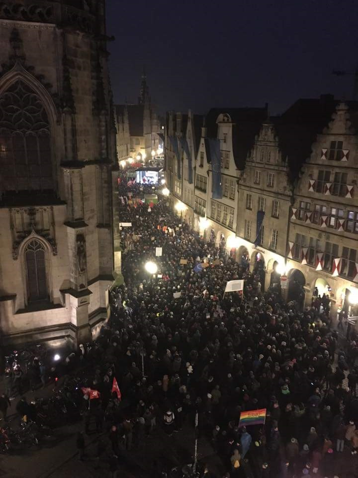 10000 demonstrieren gegen AfD